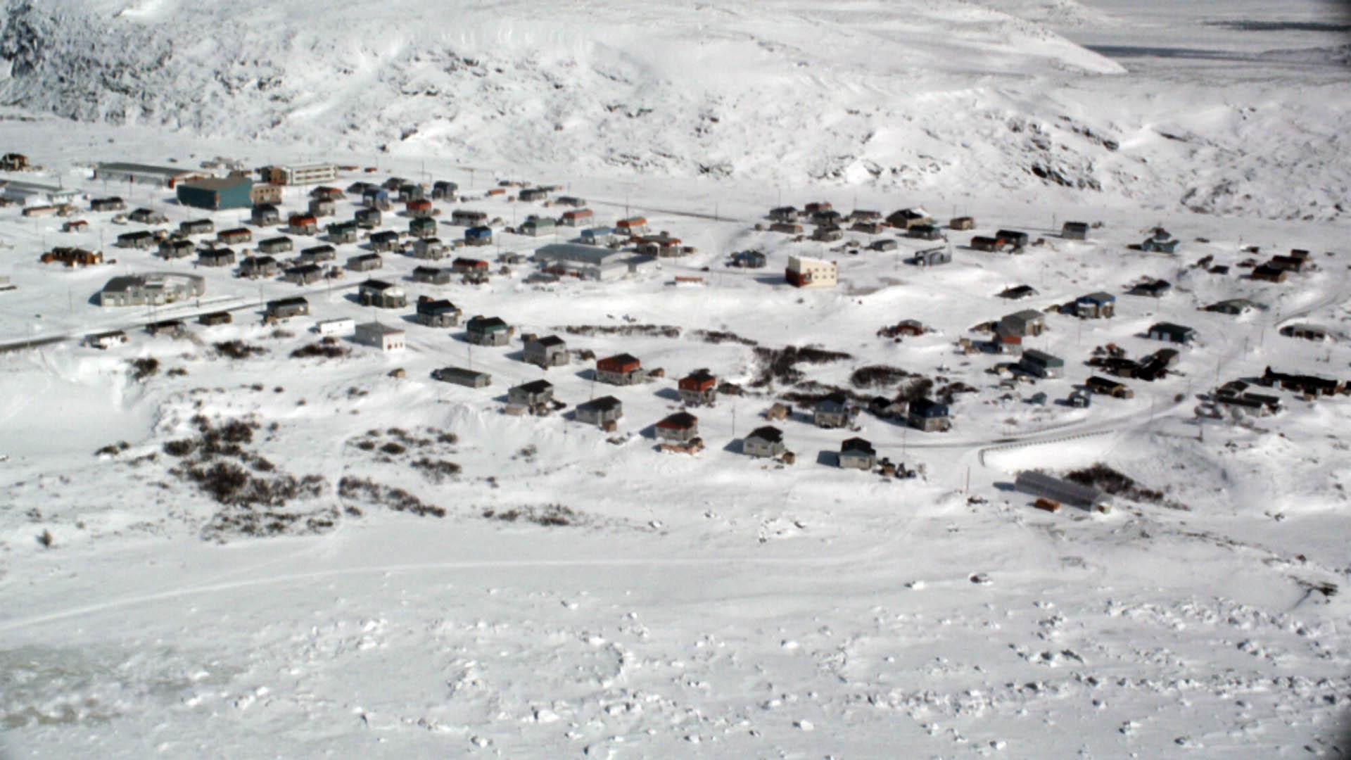 deux-vies-inuit-aerien-ville