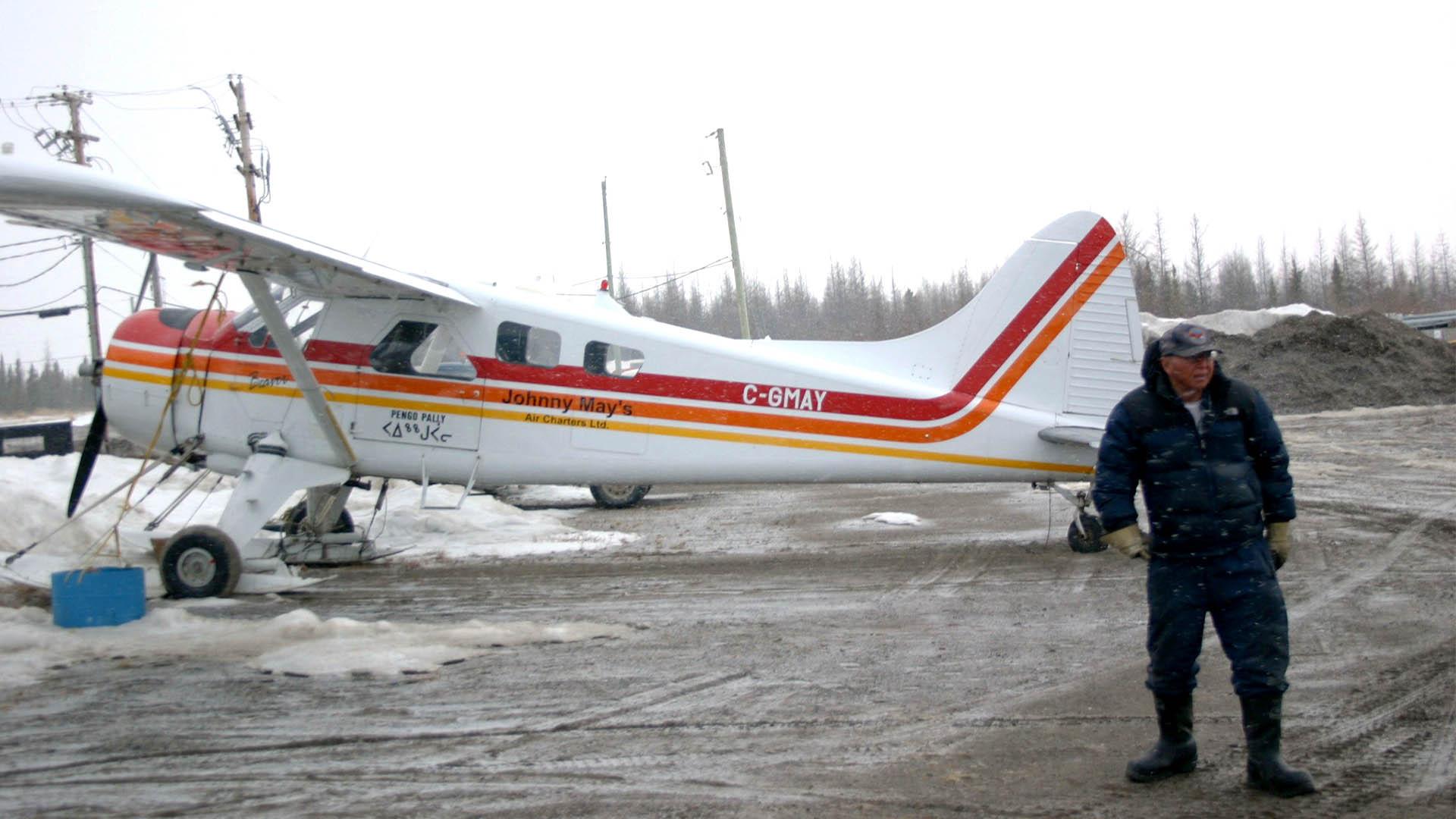 johnny-may-avion